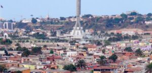 Photograph of Luanda by Ngoi Salucombo