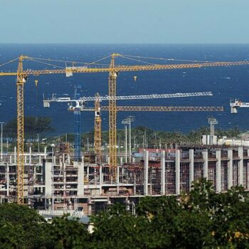 Financing infrastructure in cities of the global South