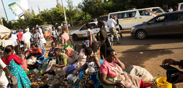 Kisumu street trading scene. Photo by Samantha Reinders